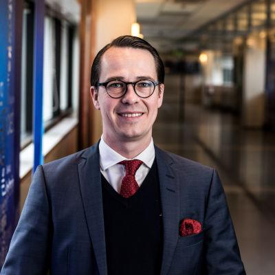 Försvarsminister Carl Haglund