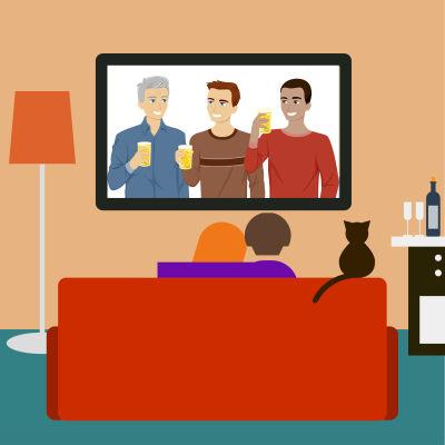 mies ja nainen sohvalla tv:n ääressä