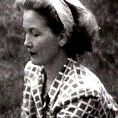 Anna-Liisa Hildén sitoo vihtaa (1951).