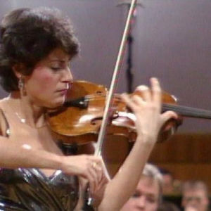 viulisti Cristina Anghelescu