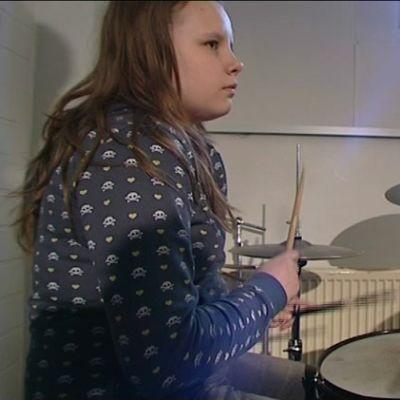 Rion olympialaiset: Arkistoista: 12-vuotias Cedercreutz purjehtii ja 13-vuotias Ruskola valmistautuu bändikilpailuun