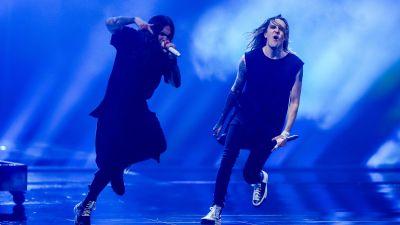 Blind Channel uppträder på eurovisionsscenen.