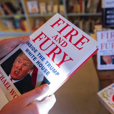 "Michael Wolffs bok ""Fire and Fury"" i en bokhandel i Decatur, Georgia. 5.1.2018."