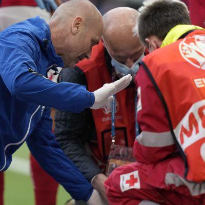 Landslagsläkarren Morten Boesen var snabbt på plats vid kollapsade Christian Eriksen.