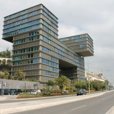 Estoril Sol, ett av palatsen utanför Lissabon som ägs av affärsmän från Angola.
