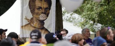 Demonstranter protesterar mot coronarestriktioner såsom att användningen av munskydd i Tyskland i början av oktober 2020