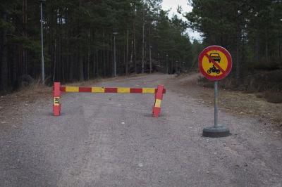Vägen till vattentornet i Ekenäs är för tillfället avstängd.