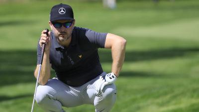 Mikko Korhonen på golfbanan i New York.