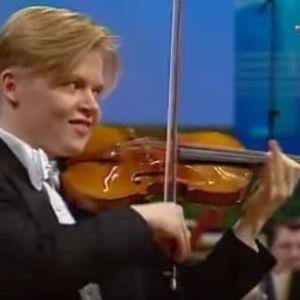 Pekka Kuusisto Jean Sibelius -viulukilpailun finaalissa vuonna 1995.