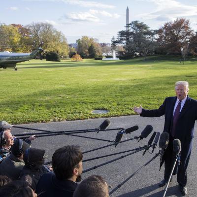 Trump uttalade sig om Saudiarabien innan han åkte med sin familj till sin fastighet Mar-a-Lago, Florida, för att fira Thanksgiving.