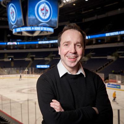 Ylen NHL-kirjeenvaihtaja Tommi Seppälä