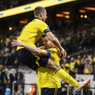 Victor Claesson firar mål