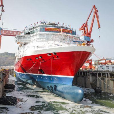 Viking Glory sjösätts på varvet i Kina.