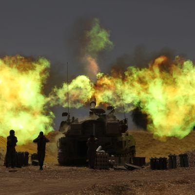 Israelin panssarivaunu tulitti Gazan rajalla keskiviikkona.