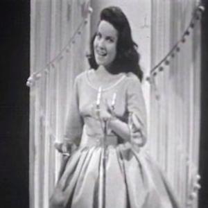 Jacqueline Boyer sjunger i Eurovisionen år 1960.
