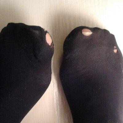Rikkinäiset sukkahousut.