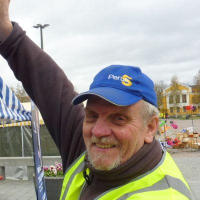 Perussuomalaisten Mikkelin osaston tiedotusvastaava Tauno Lehtonen.