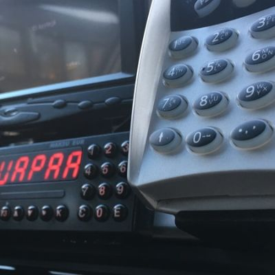 Maksupääte taksissa.