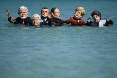 Protester mot G7-mötet i Storbritannien