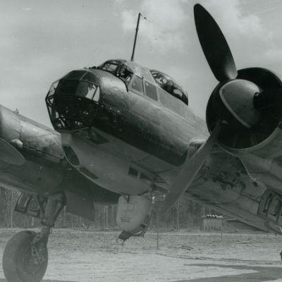 Pommituslentolaivue 44:n ykköslentueen (1/PLeLv 44) Junkers odottaa seuraavaa sotalentoa Onttolassa.