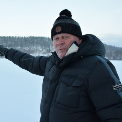 Vesa Kaloinen spagettijää-maisemissa Suolijärvellä Hämeenlinnan Tuuloksessa