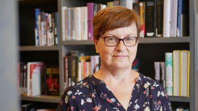 Susanne Ahlroth på Nordsjö bibliotek.