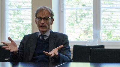 Storbritanniens ambassadör Tom Dodd på besök i Vasa.