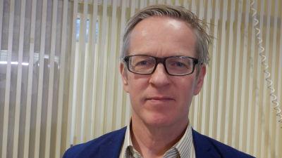 Pargas stadsdirektör Patrik Nygrén är för fiber till glesbygden.