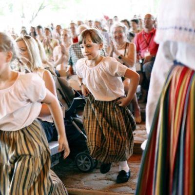 Även de små spelmännen har sin plats på festivalen.