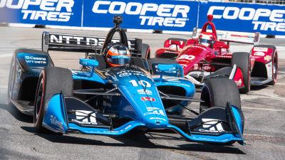 Felix Rosenqvist kör sin bil