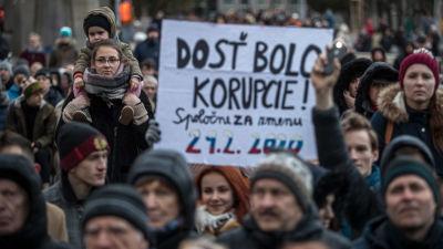 Manifestation i slovakiska huvudstaden Bratislava till minnet av den mördade journalisten Jàn Kuciak som sköts ihjäl i februari 2018