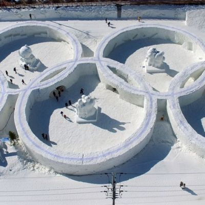 Olympiarenkaat Pyeongchangin talvifestivaaleilla.