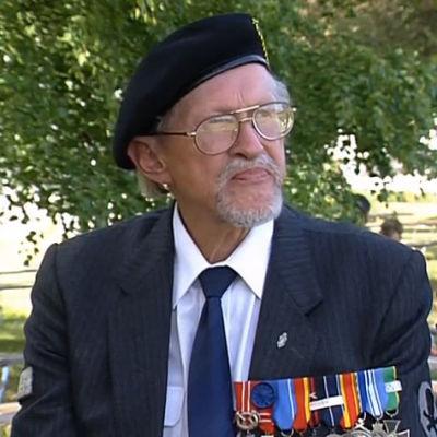Kirjailija Reino Lehväslaiho vuonna 1992.