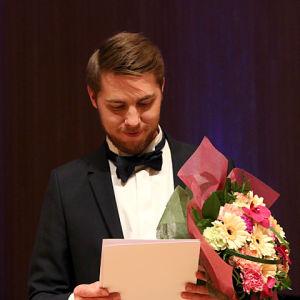 Baritoni Aarne Pelkonen.