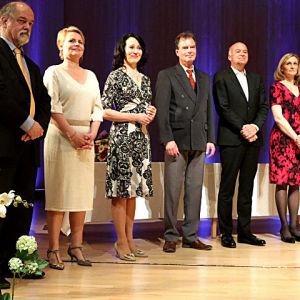 Sibelius -laulukilpailun tuomaristo Gustav Djupsjöbacka, Inger Dam-Jensen, Olle Persson, Andreas Schmidt ja kilpailun pääsihteeriTerhi Luukkonen