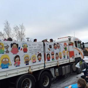 Lastbilen hade South Park-tema.