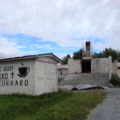 Ruskealan kirkon uudelleenrakentaminen on käynnissä