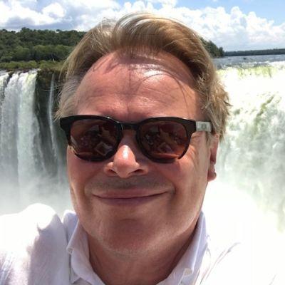Haminan kaupunginjohtaja Hannu Muhonen Iguassun putouksilla.
