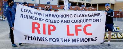 Protester mot Super League