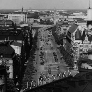 Katunäkymä Helsingistä 1960-luvulta