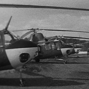 Helikoptereita Tampereen Härmälän kentällä