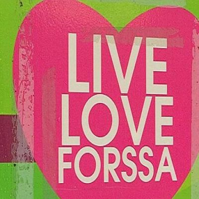 Sydänlogossa teksti live love Forssa