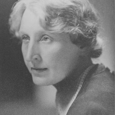 Martta Wendelinin muotokuva, Puoli seitsemän -artikkelin kuvituskuva