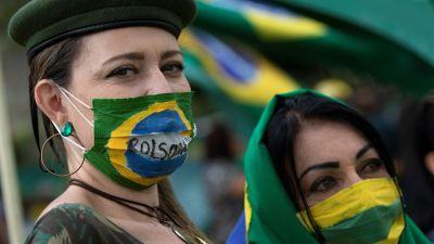 De här kvinnorna stöder president Bolsonaro och protesterar mot restriktioner i Brasilien. Brazil 15.3.2020