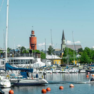 Segelbåtar i Östra hamnen i Hangö