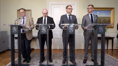 Juhani Salonius, Jari Lindström (Sannf), Juha Sipilä (C), Alexander Stubb (Saml).
