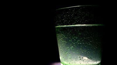 glas med vatten