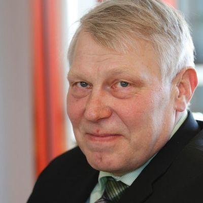 Kokoomuksen kansanedustaja Eero Suutari