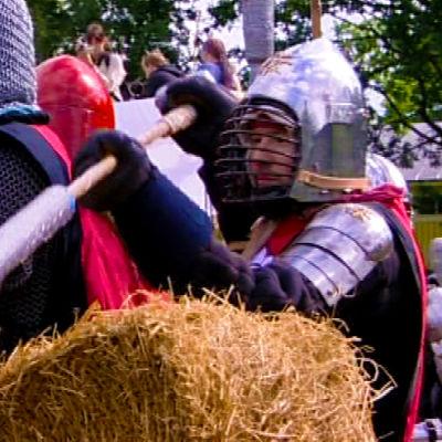 Boffajat puolustavat taisteluskenaariossa linnaketta