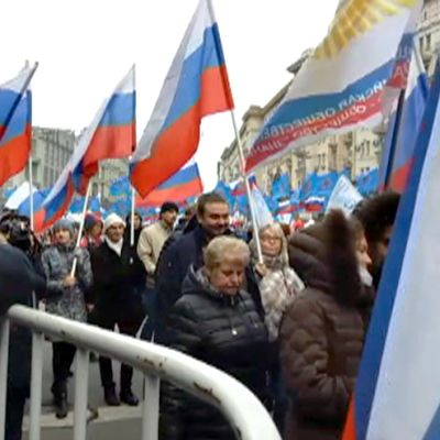 Kansallisen yhtenäisyyden päivän marssijoita Moskovan keskustassa.